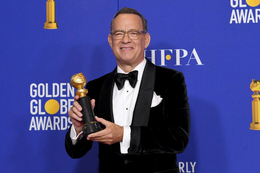 Tom Hanks, aqui com o Globo de Ouro especial atribuído a semana passada, concorre o Óscar de Melhor Actor secundário